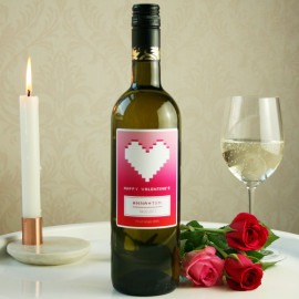Personalised wine with gift packaging